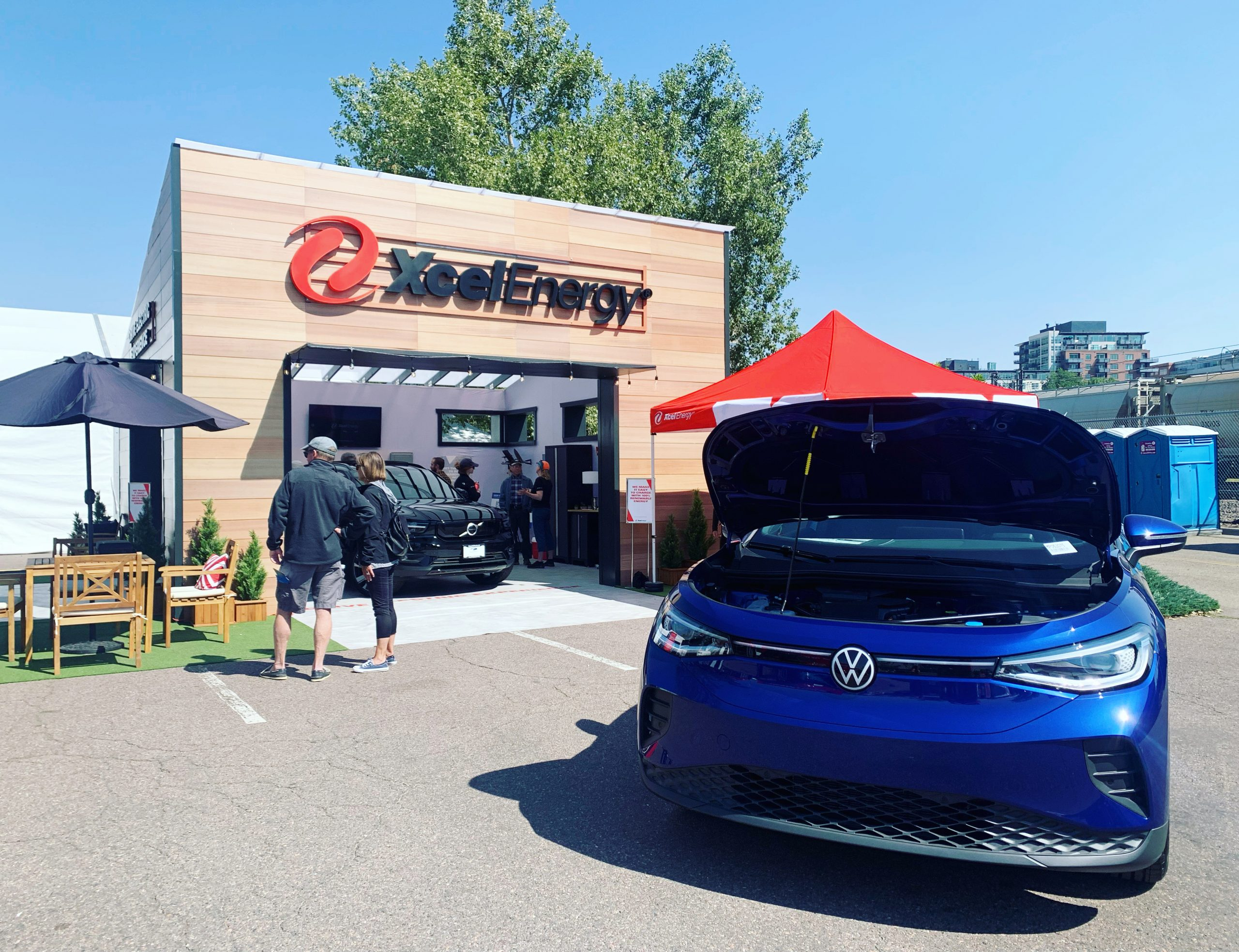 Read more about the article Thousands of People Take a Electric Vehicle Ride & Drive at the 2021 Denver Auto Show