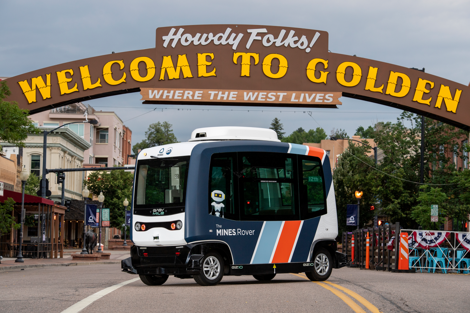 Read more about the article Golden's Mines Rover: The Electric, Autonomous Shuttle